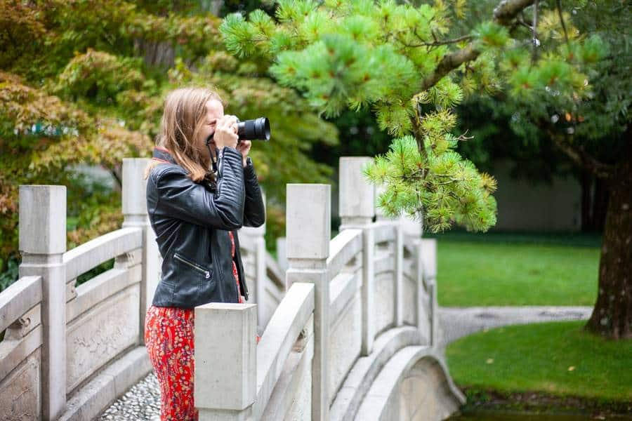 How to Use a Bridge Camera for Professional Results