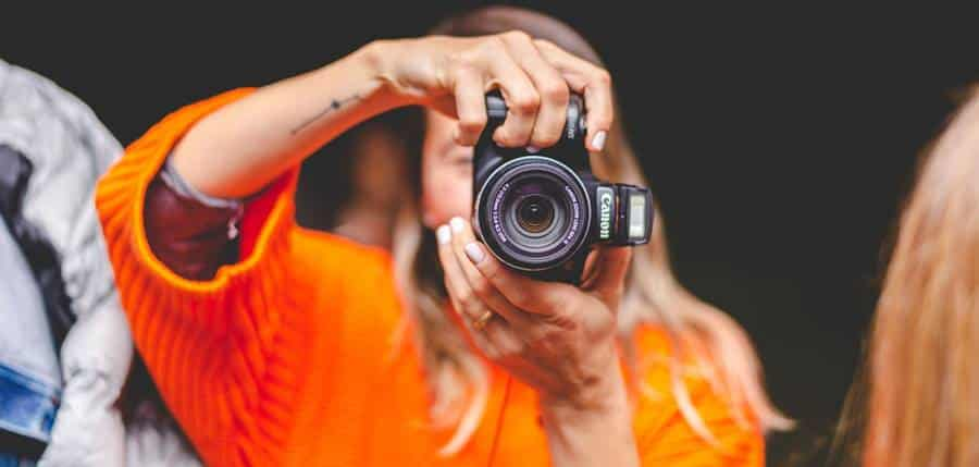 How to Use a Canon Lens?