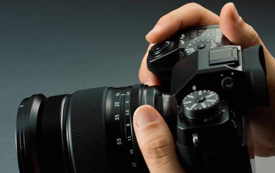 Ergonomics and Interface of Fujifilm XH-1