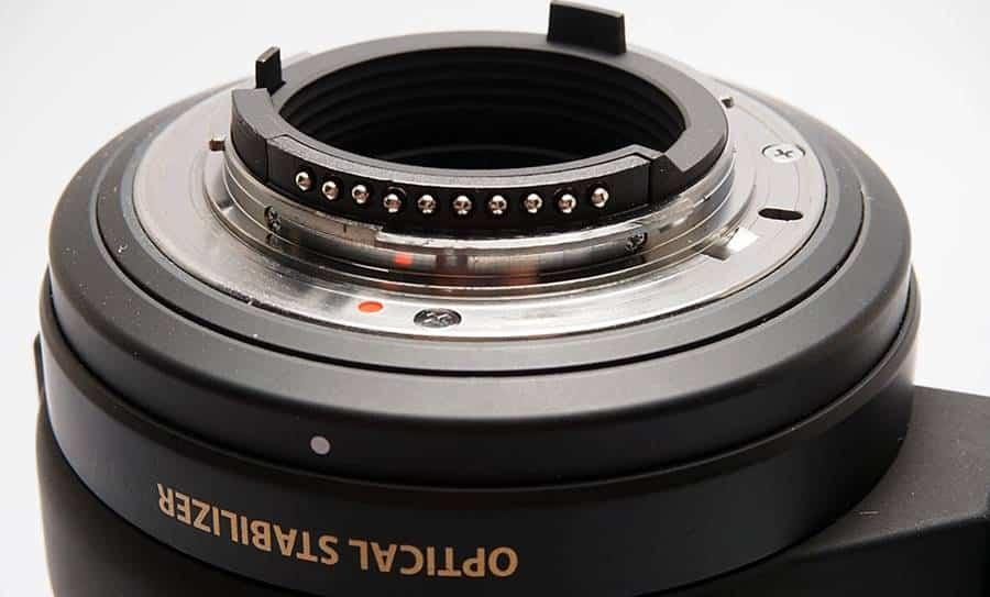 Sigma 150mm f/2.8: Tripod Collar and Handle