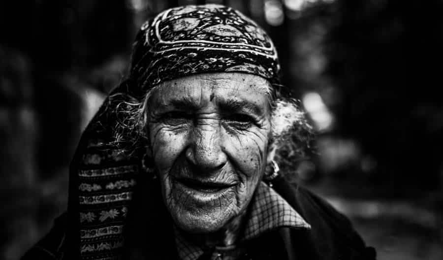 Natural wrinkles look much more beautiful in the photo.