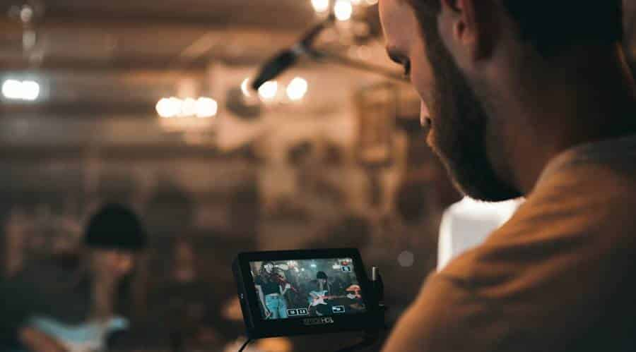 How to Choose A Video Camera in 2021