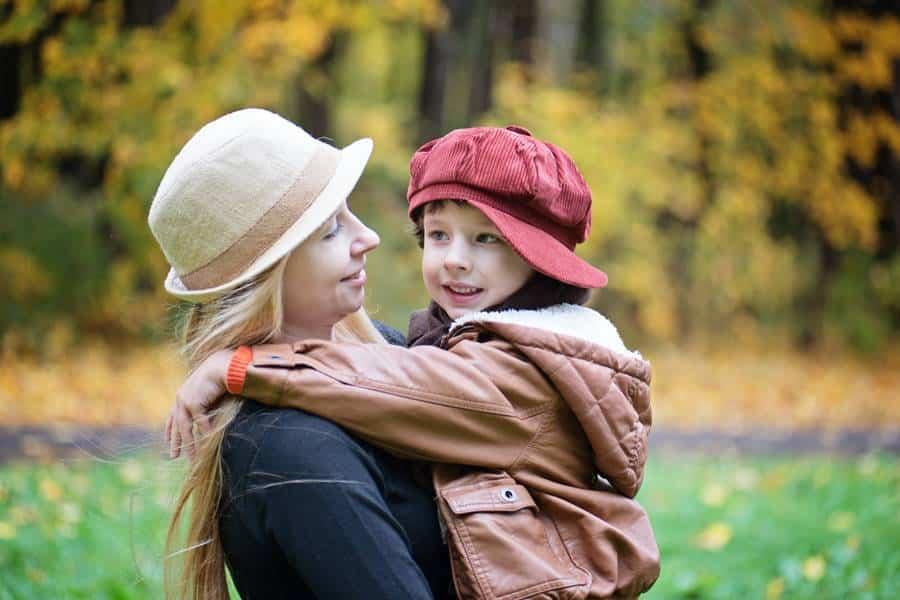100+ Best Autumn Family Photoshoot Ideas in Nature