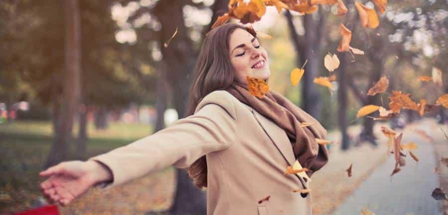 16 Best Autumn Family Photoshoot Ideas in Nature