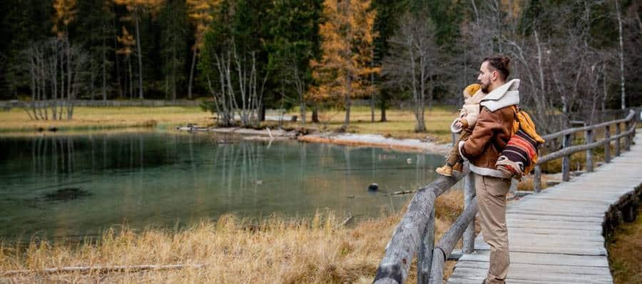Autumn Family Photoshoot Ideas in Nature