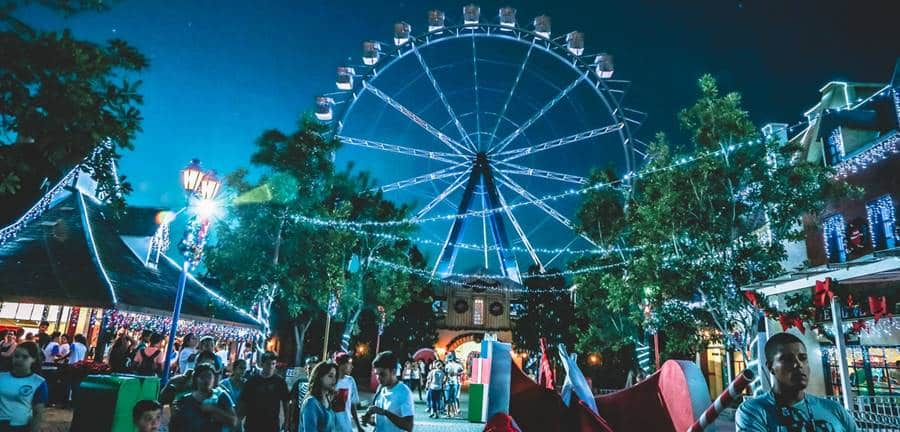 Night Photography in The Amusement Park
