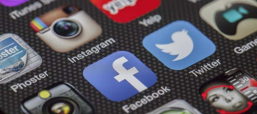 Social Media Platforms to Post Selfies