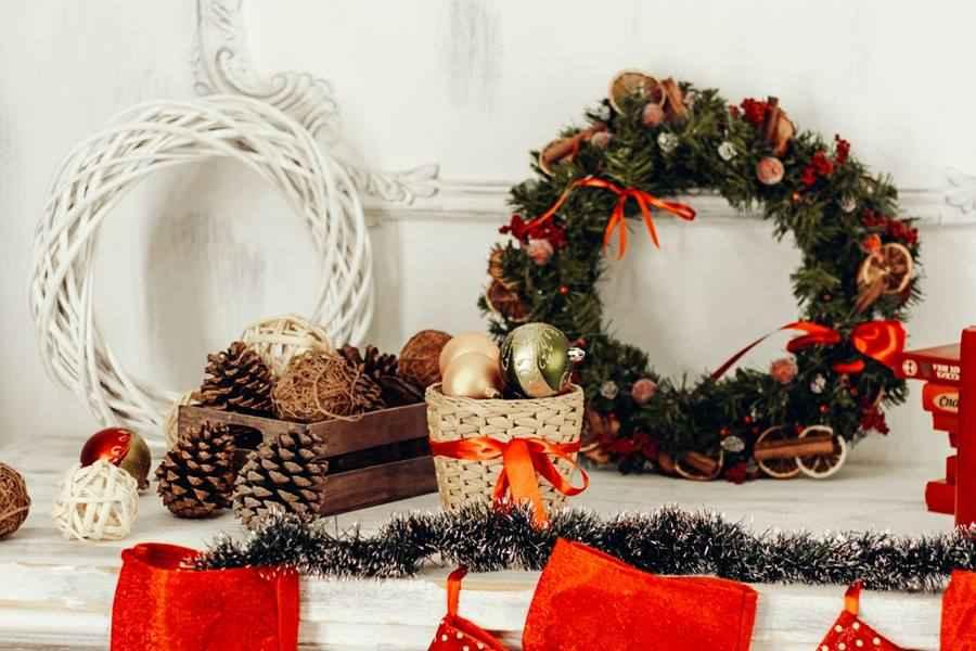 Holidays and Seasonal Paraphernalia