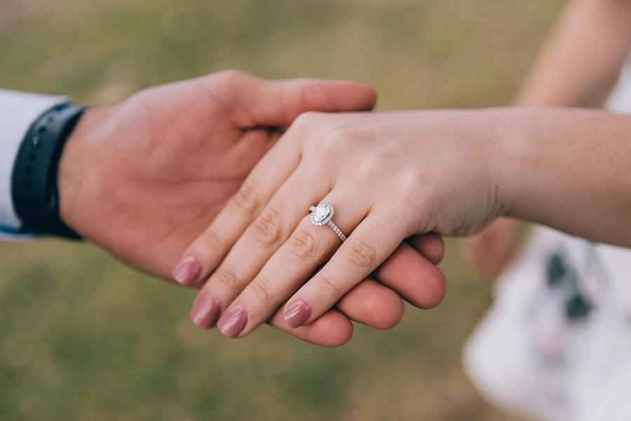 Engagement Ring Selfie Ideas - How to Take an Engagement Ring Selfie